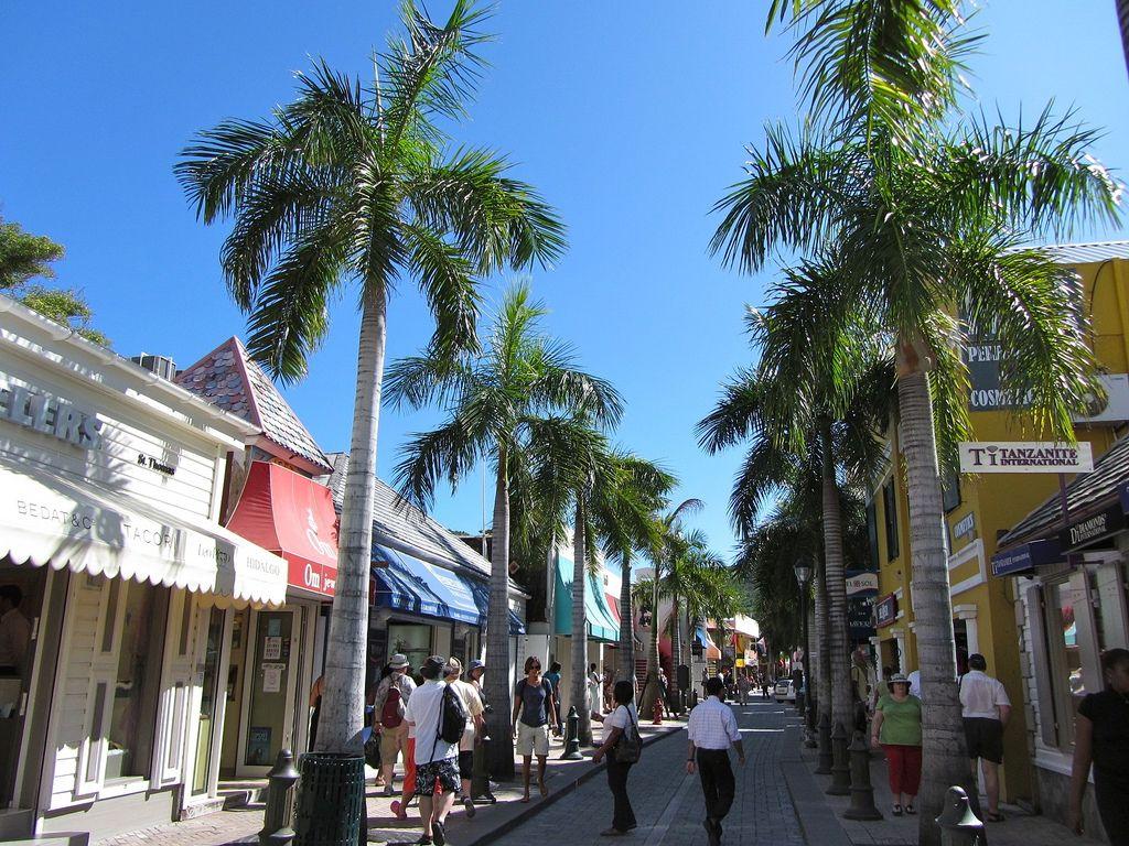 Living in St. Maarten